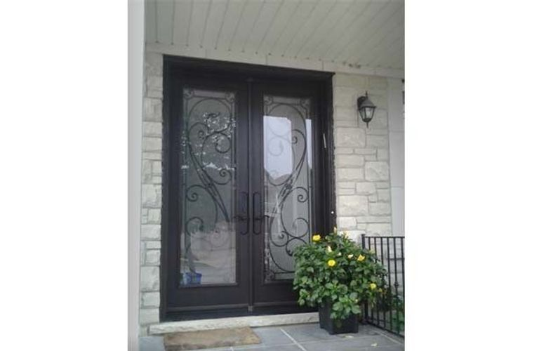 New home buyer? Have you changed your front door? See below for a front door makeover!