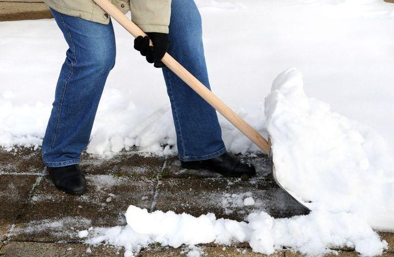 正确的铲雪方法!
