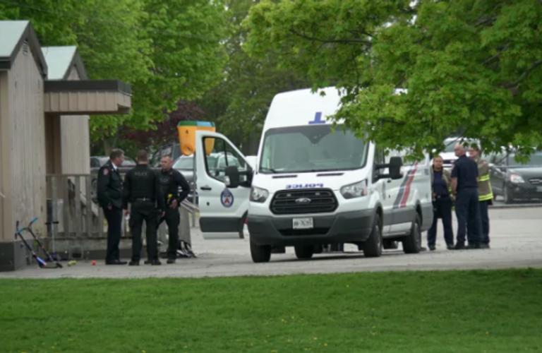 多伦多警方在一小学引爆可疑包裹后又发现一个!