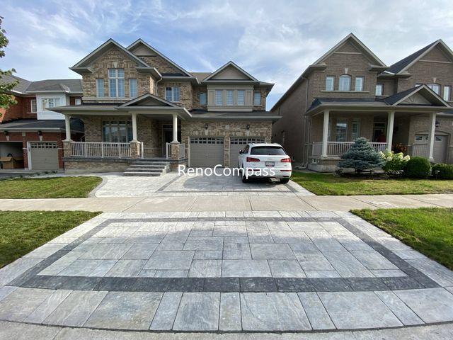 Aurora Driveway and Backyard Interlocking