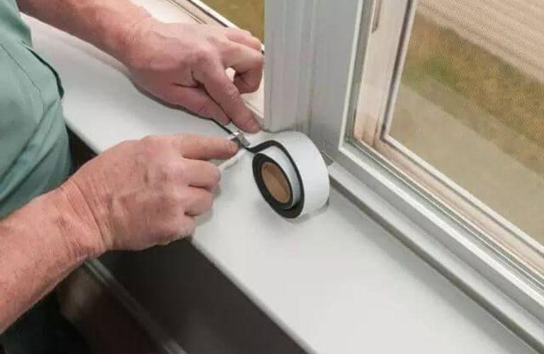 多伦多连降暴雨,赶快检查检查你家的窗户是否漏水?