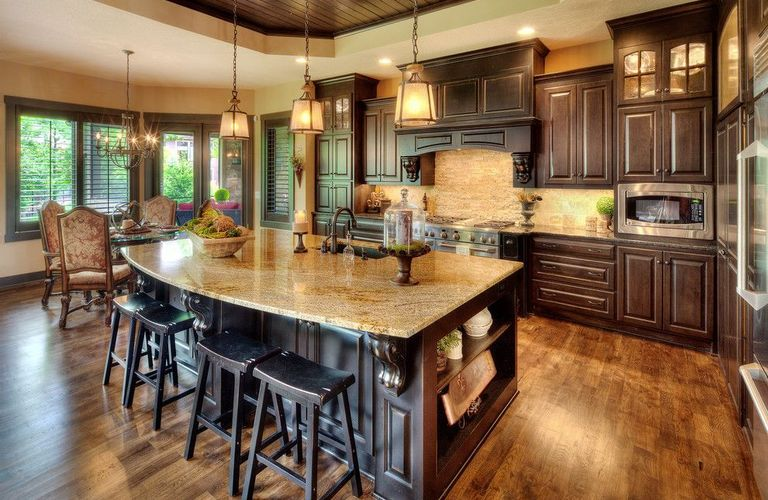 厨房到底铺瓷砖还是地板?